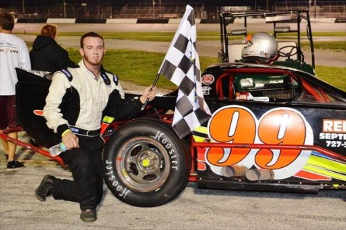 Stickler powers way to Modified win at Desoto