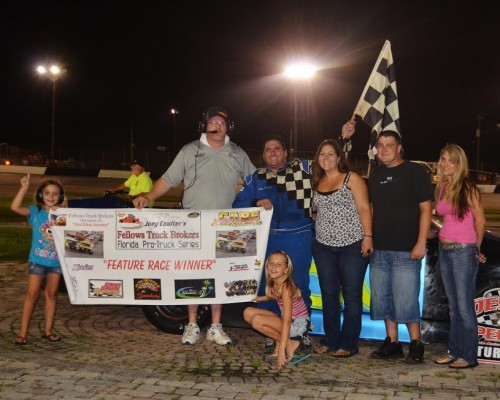 Anderson Survives Carnage to Win at Desoto