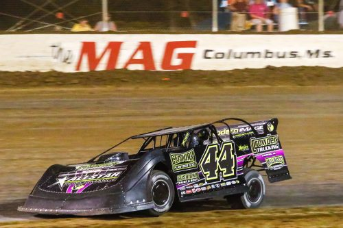 Chris Madden on his way to a $20,000 payday at Magnolia Motor Speedway. (Chris McDill photo)