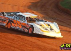 THE CLOSEST POINT BATTLE IN DIRT LATE MODEL RACING HEADS FOR SCREVEN