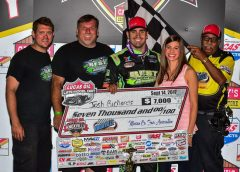 Richards Wins Opening Night of Lucas Oil Knoxville Late Model Nationals